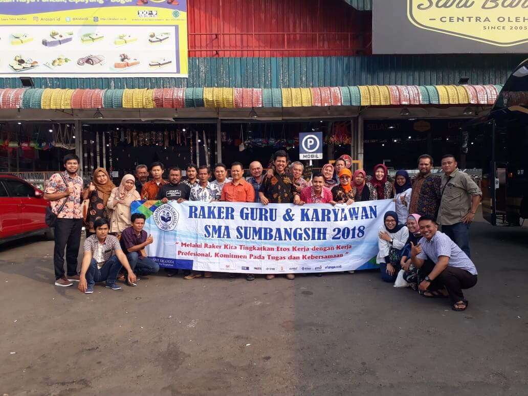 Rapat Kerja Guru dan Tenaga Kependidikan SMA Sumbangsih tahun akademik 2018/2019